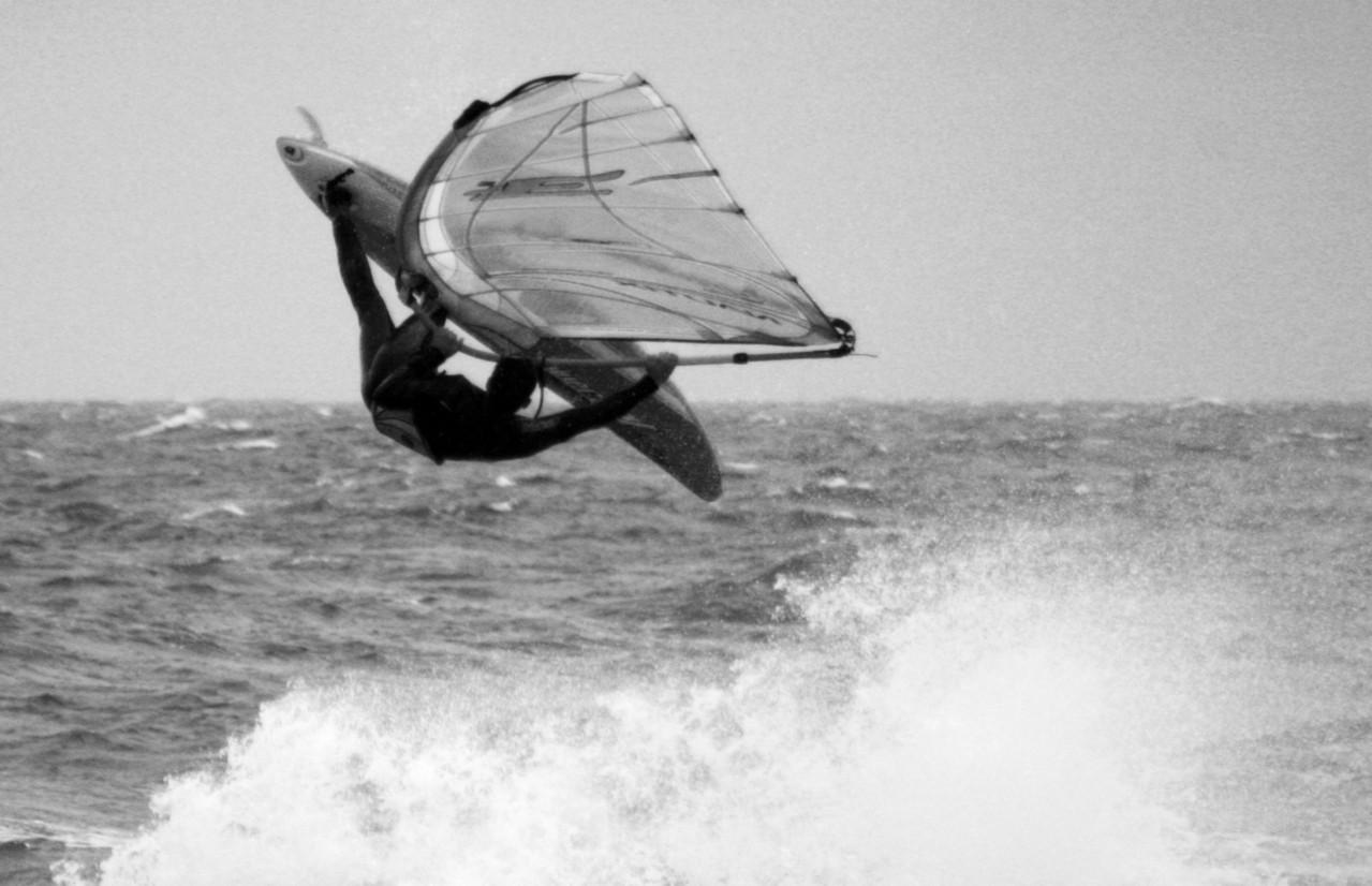 Kite surfing na falach Bałtyku