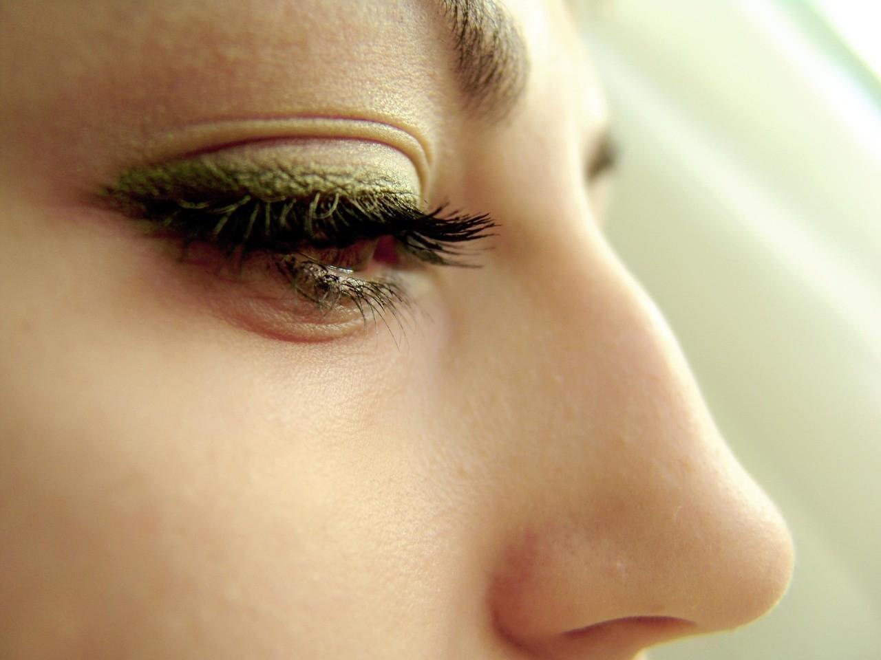 Jak pielęgnować brwi po makijażu permanentnym?